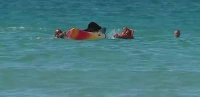Portekiz Cumhurbaşkanı boğulmak üzere olan iki kadını kurtardı