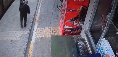 Engelli adamın infaz edilme anı kamerada!