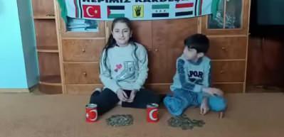 Suriyeli kardeşlerden duygulandıran hareket