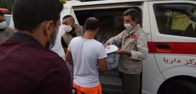 Sadakataşı ve Deniz Feneri derneklerinden Lübnan'da patlamadan zarar görenlere yardım