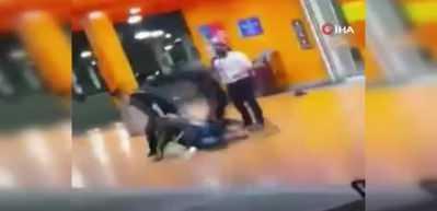 Polis ve güvenlik görevlisi siyahi adamı döverek öldürdü