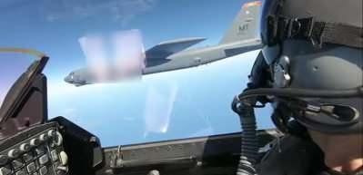 Adalar'da yeni gerilim: Bombardıman uçağına eşlik ettiler