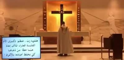 Lübnan'da ayin yapan Papaz'ın patlamayla imtihanı