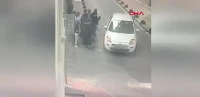 Yankesicilerden yeni taktik! Üzerine araç sürdükleri vatandaşları soyan yankesiciler kamerada