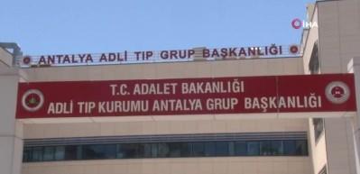Antalya'da dehşet...Tartıştığı kocasını bıçaklayarak öldürdü