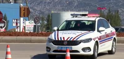 Antalya'ya girişlerde sıkı tedbirler devam ediyor