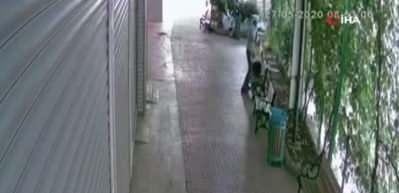 Güpegündüz kadına şiddet! Banka müdürü sokak ortasında dayak yedi