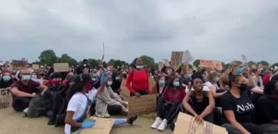 Binlerce insan Hyde Park'ta George Floyd için toplandı