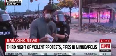 Polis CNN muhabirini canlı yayında kelepçeleyip götürdü