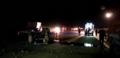 Çekici traktörle çarpıştı: 1 ölü, 2 yaralı