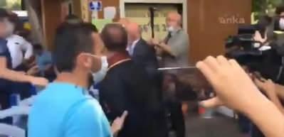 CHP'li Mahmut Tanal yine polislere saldırdı: Barikatları yıktı!
