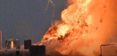 Çok büyük patlama! SpaceX'in dev roketi infilak etti