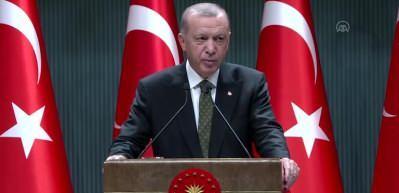 Cumhurbaşkanı Erdoğan: Restoran berber gibi işletmelerin çalışma süreleri saat 10 ve 20:00 arasında olacak