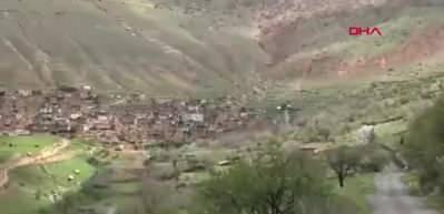 Dağdan kopan kaya parçası, köy yolunda ulaşımı durdurdu