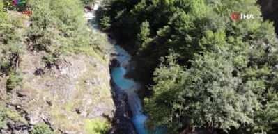 Doğa harikası Mavi Göl ziyaretçilerini bekliyor