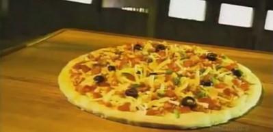 Dondurulmuş pizza nasıl yapılır?