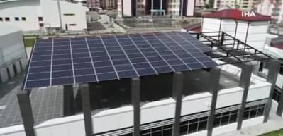 Elektriğini kendi üreten, suyunu kendi çıkartan okul