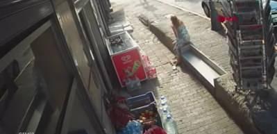 İstanbul'un göbeğinde kadına silahlı saldırı kameraya anbean yansıdı
