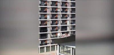 Esenyurt'ta bir binada patlama: Yaralılar var