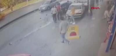 Esenyurt'ta korkunç kaza! Kaza anı anbean kamerada