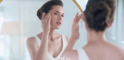 Fahriye Evcen L'Oreal Paris markasının yüzü oldu!