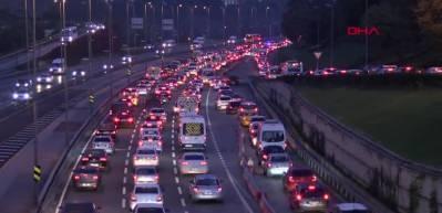 Haftanın ilk iş gününde trafik yoğunluğu oluştu