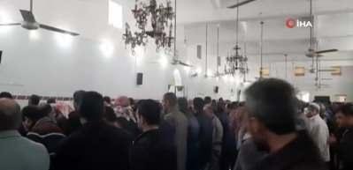 Halep halkı İdlib şehitleri için gıyabi cenaze namazı kıldı
