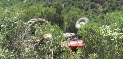 Hayat'da traktör devrildi: 1 ölü, 1 yaralı