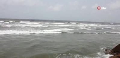 Hindistan'ı Nisarga Kasırgası'nın vurması bekleniyor