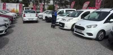İkinci el otomobil fiyatları düşüşe geçti