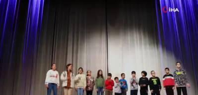 İlkokul öğrencilerinden Cumhurbaşkanı Erdoğan'a 'doğum günü' sürprizi