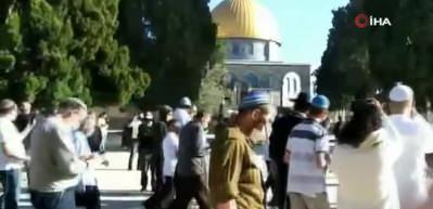 İsrail güçleri Mescid-i Aksa'da 5 kişiyi gözaltına aldı