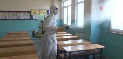 İstanbul'da YKS öncesi okullar dezenfekte edildi