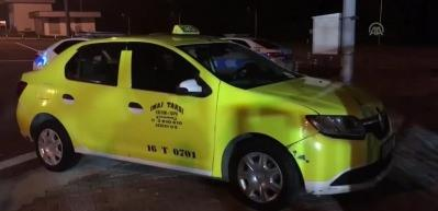 Kadın yolcu taksiyi çaldı, gişelerde yakalandı
