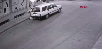 Kalp krizi geçiren kişi bir anda yere yığıldı! Dehşet anları kamerada