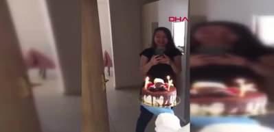 Karantina altında olan öğrenciye sürpriz doğum günü