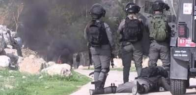Katil İsrail askerleri Filistinliyi vuran askeri böyle kutladı