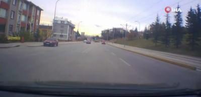 Kazadan kılpayı kurtulan minibüs kamerada