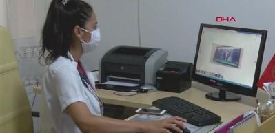 Kızına sağlık raporu vermeyen doktorlara saldırdı! Tekme tokatlı kavga kamerada