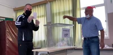 KKTC'de seçimde ikinci tur başladı