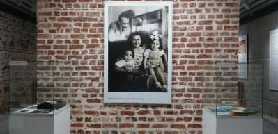 """""""Kültür ve Sanat Hayatımızda Ebüzziya Ailesi"""" sergisi açıldı"""
