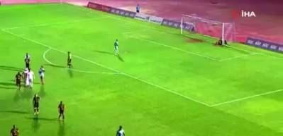Kulüp başkanı sahaya indi! Penaltı iptal edildi