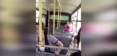 İzmit'te maske takmayan kadın kendini uyaranlara saldırdı