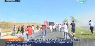 Medipol Başakşehir taraftarından coşkulu uğurlama!