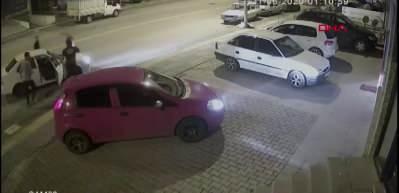Trafikte tartıştığı 3 kişiyi 30 saniyede yere serdi