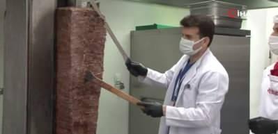Pandemi hastanesinin sağlık kahramanlarına iyileşen Covid hastasından döner ikramı