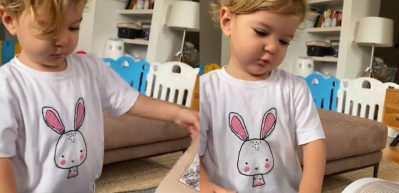 Pelin Akil'in 18 aylık ikiz kızının ansiklopedi okuduğu anlar!