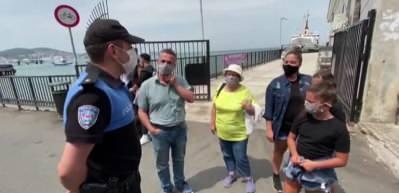 Polisten Adalar'da koronavirüs bilgilendirmesi