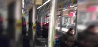Polisten toplu taşıma araçlarına 'sosyal mesafe' kontrolü