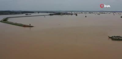 Poyang Gölü'nde su rekor seviyeye yükseldi! Sel uyarısı